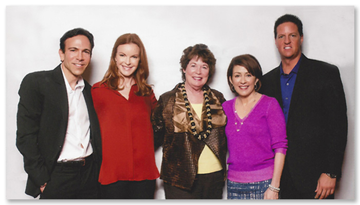 Sue hanging out with (l-r): Dr. Bill Dorfman (Dentist, Hit TV Show, <i>Extreme Makeover</i>) • Marcia Cross, Actress, Hit TV Show, <i>Desperate Housewives</i> • Patricia Heaton, Actress, Hit TV Show, <i>Everybody Loves Raymond</i> •James Malinchak, Entrepreneur, ABC's Hit TV Show, <i>Secret Millionaire</i>